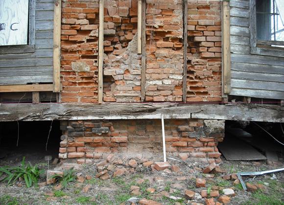 Levi Jordan Plantation brick chimney